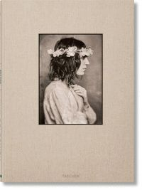 BEFORE EASTER AFTER. LYNN GOLDSMITH. PATTI SMITH